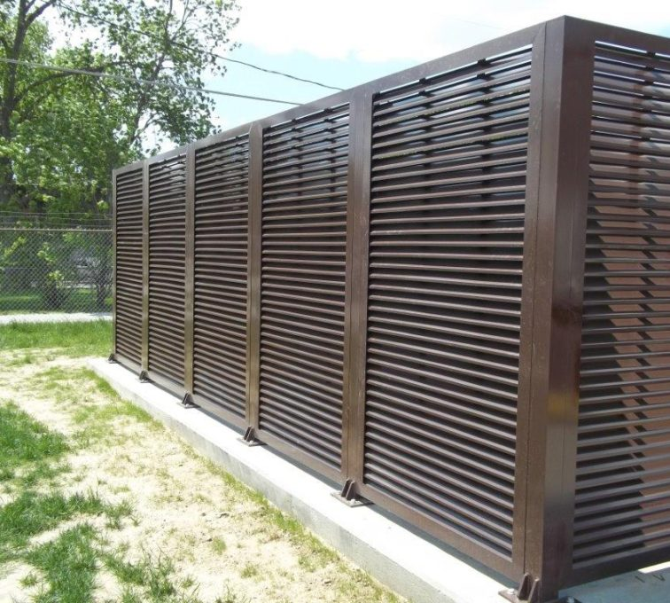 AFC Sioux City - Outdoor Louvered Fence Enclosure