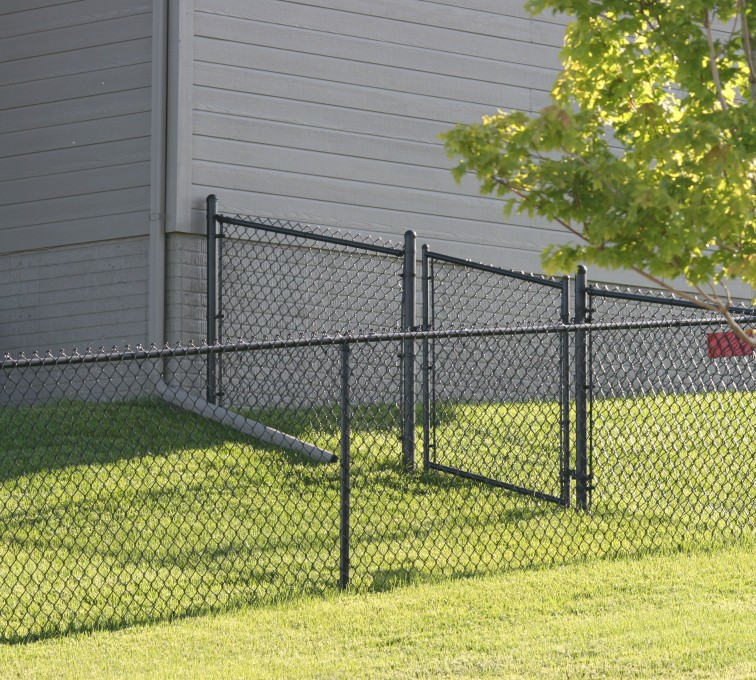 AFC Sioux City - 4' black chain link fence