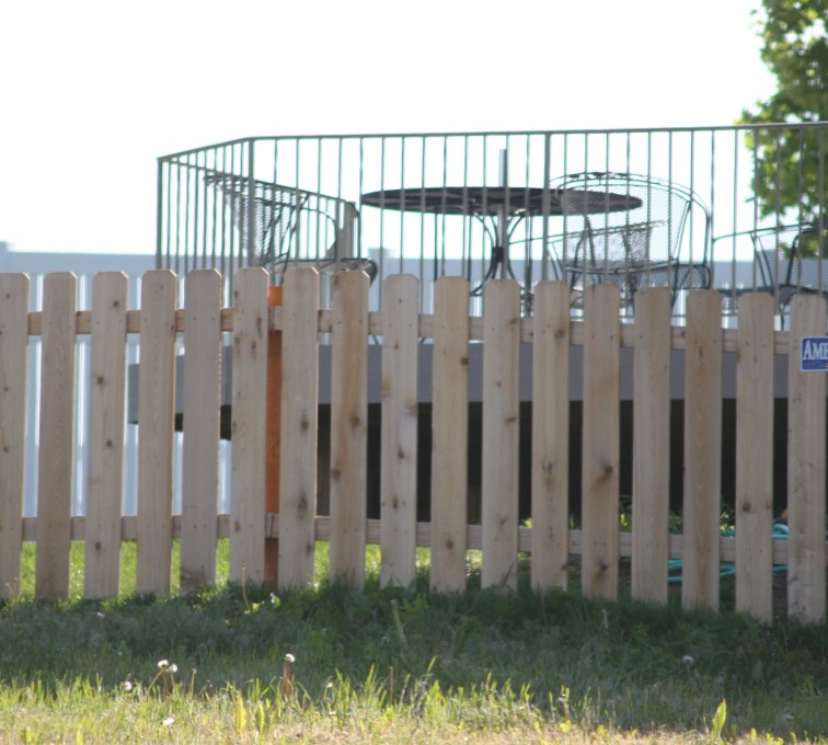 AFC Sioux City - Wood Fencing, 1003 4' picket
