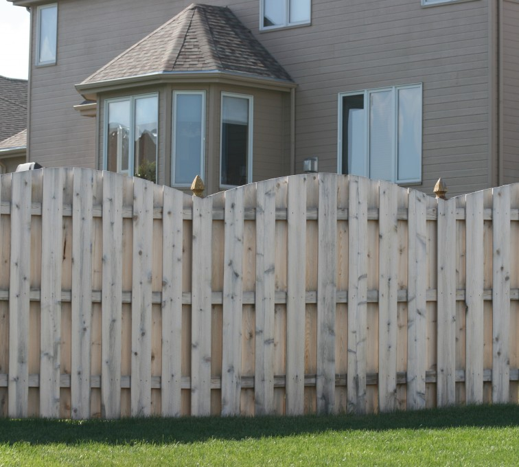 AFC Sioux City - Wood Fencing, 1012 6' overscallop board on board no stained