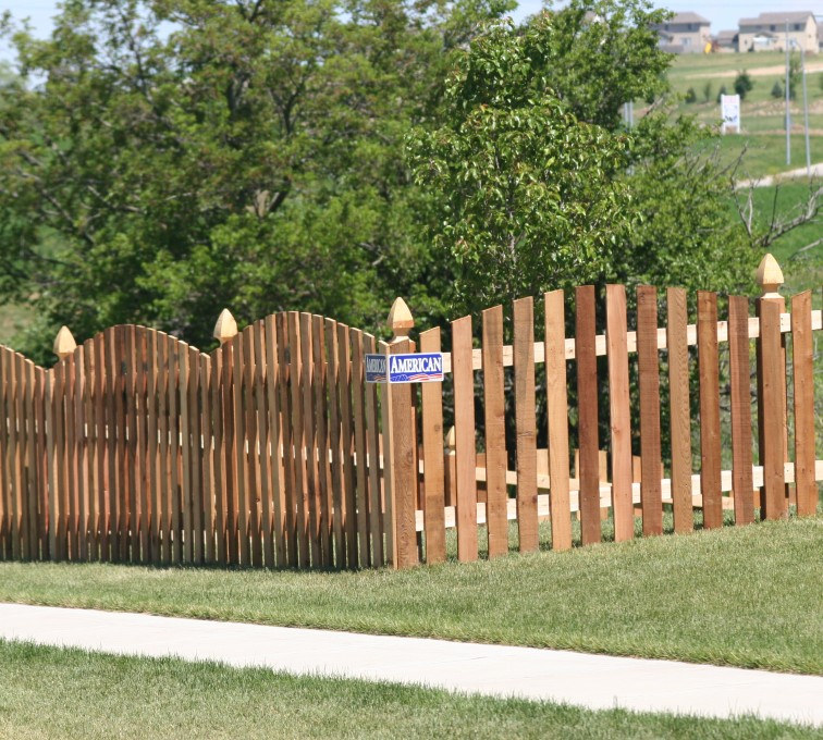 AFC Sioux City - Wood Fencing, 1024 4' overscallop picket