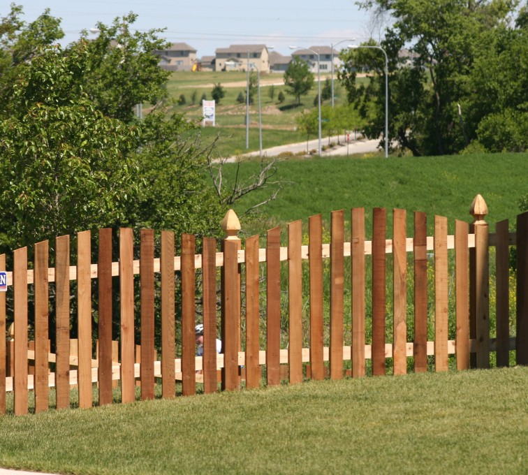 AFC Sioux City - Wood Fencing, 1025 4' Overscallop Picket