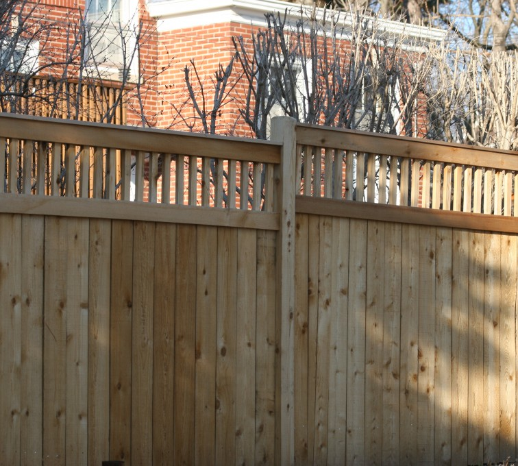 AFC Sioux City - Wood Fencing, 1060 Custom Solid with Accent Top