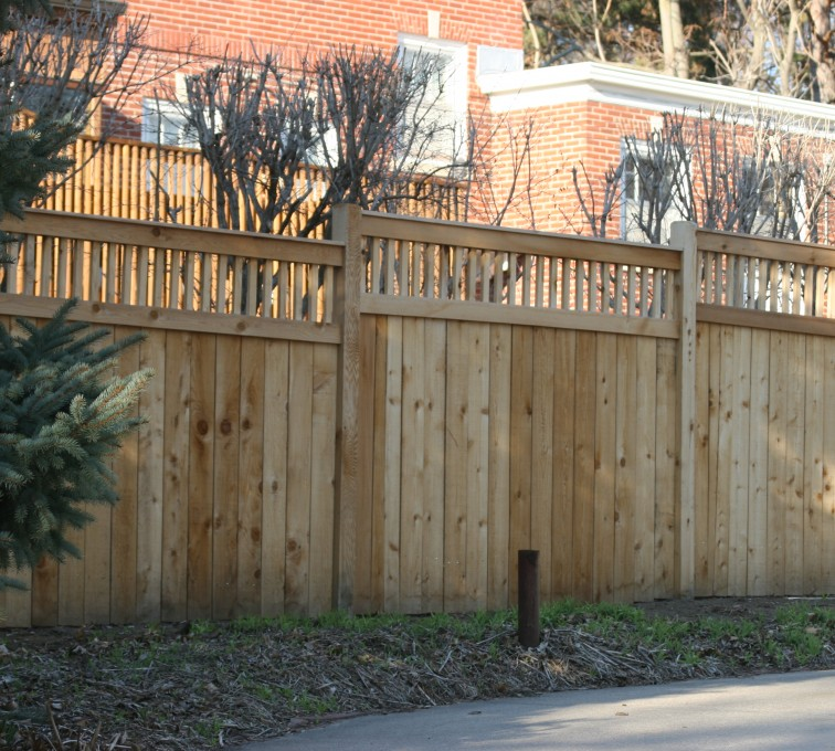 AFC Sioux City - Wood Fencing, 1062 Custom Solid with Accent Top