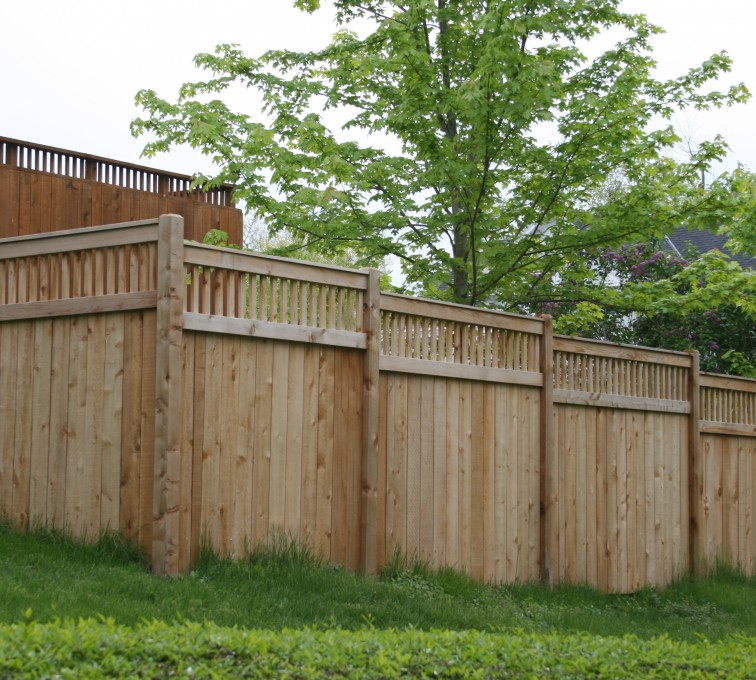 AFC Sioux City - Wood Fencing, 1067 Custom Solid with Accent Top
