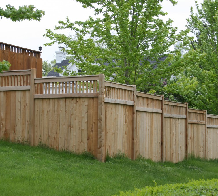 AFC Sioux City - Wood Fencing, 1068 Custom Solid with Accent Top