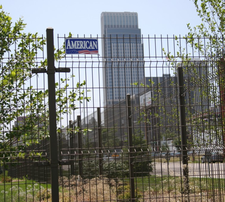 AFC Sioux City - Wire mesh fencing