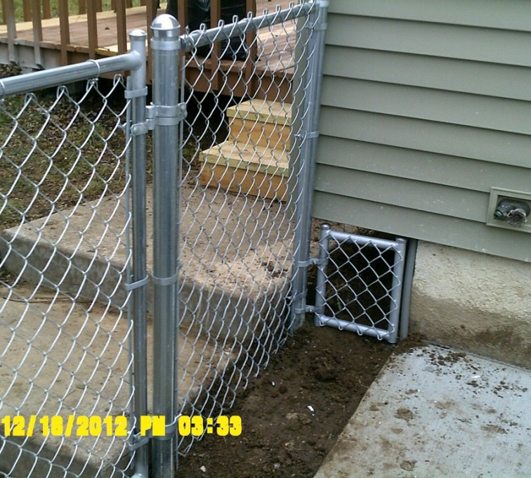 AFC Sioux City - Galvanized Chain Link With Custom Panel