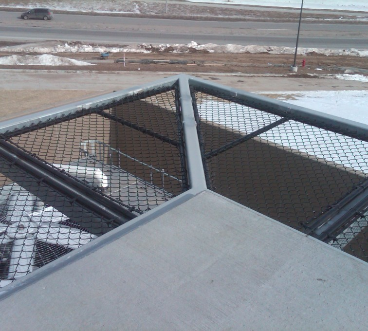 AFC Sioux City - Hospital roof chain link guard