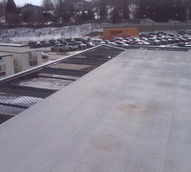 AFC Sioux City - Black chainlink roof edging