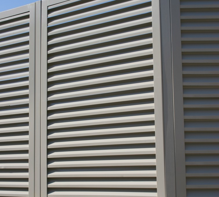 AFC Sioux City - Louvered Fence Panel Angled Post Connection