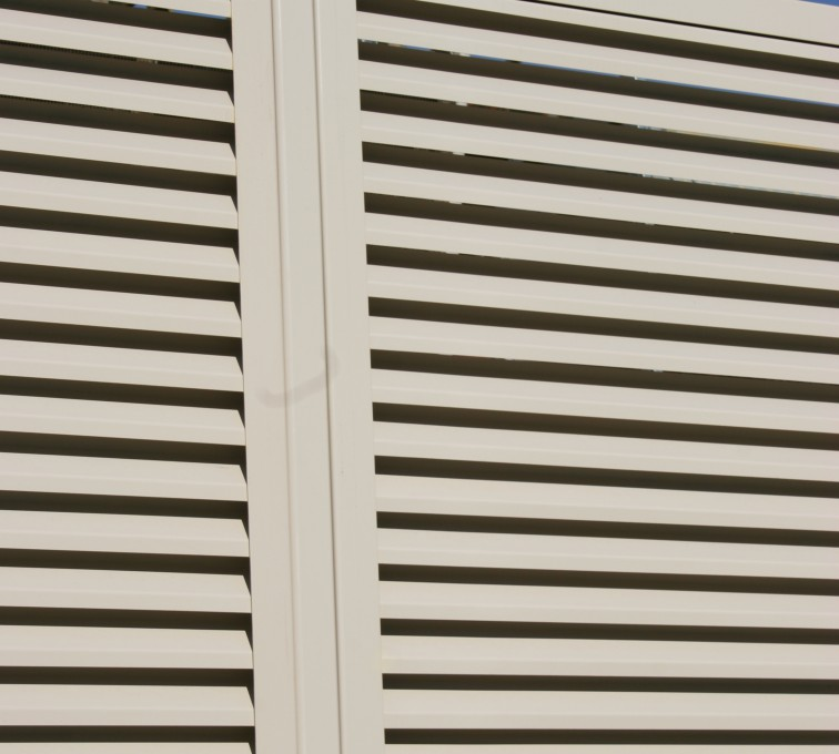 AFC Sioux City - Post for Louvered Panel