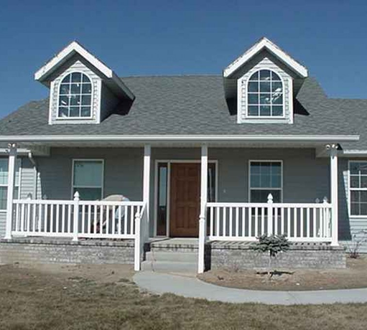AFC Sioux City - House with white porch railing