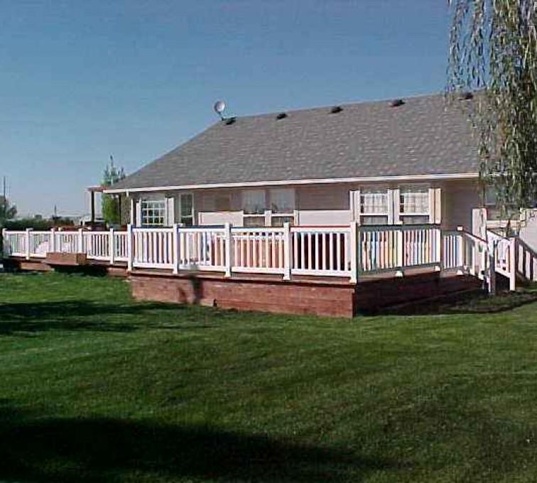 AFC Sioux City - Long wraparound vinyl porch