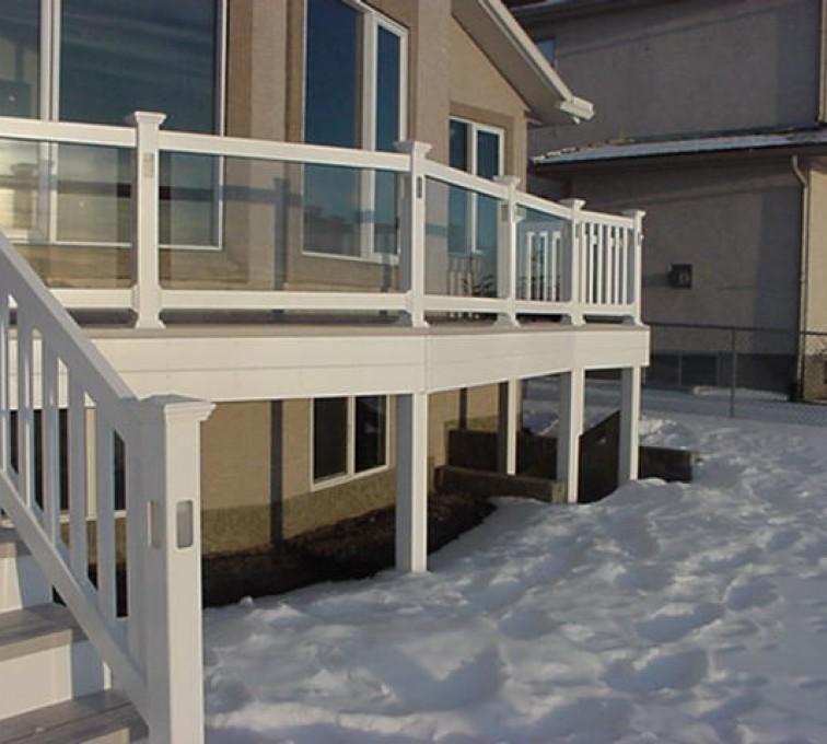 AFC Sioux City - White wraparound porch railing