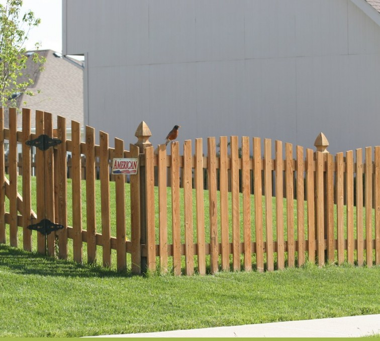 AFC Sioux City - Wood Fencing, Overscalloped Picket with French Gothic Posts - AFC -IA