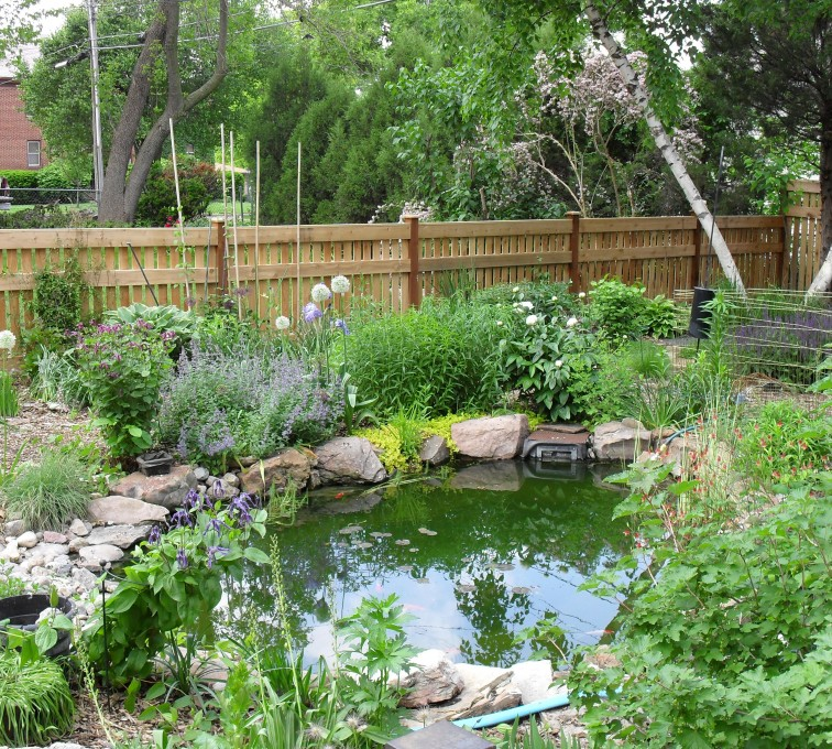 AFC Sioux City - Wood Fencing, Landscaped Backyard